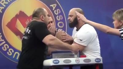 70 килограммовый русский парень против 110 килограммового кавказца