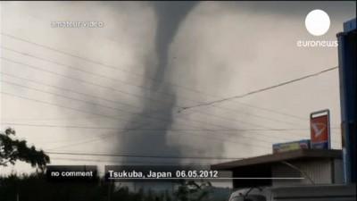 Разрушительный торнадо пронесся рядом с Токио