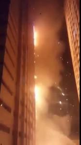 В ОАЭ горит высотный жилой комплекс