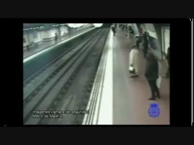 Спасение в метро
