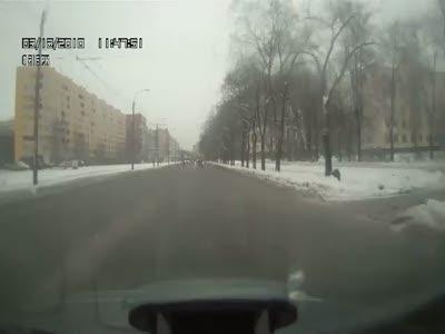 Пешеход чуть не стал причиной ДТП