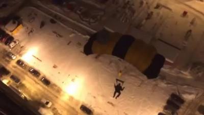 Прыжок с ассистом. 25 этаж. 90 метров. Екатеринбург.