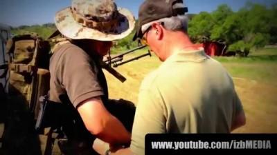 Пулемёт с рюкзаком M249 SAW 800.