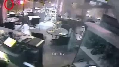 Расстрел кафе в Париже