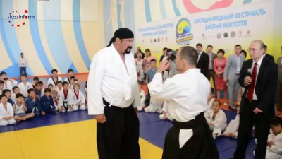 Стивен Сигал провел в Астане мастер-класс по айкидо