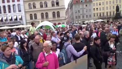 Massiver Protest gegen Angela Merkel - 29.08.2014 in Dresden