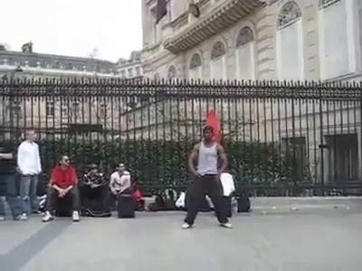 Первоклассный верхний брэйк Танцор в Париже