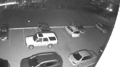 Сосед-неадекват буксирует тросом мою машину