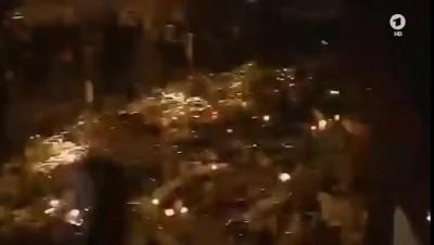 Люди испугались фейерверка. Париж