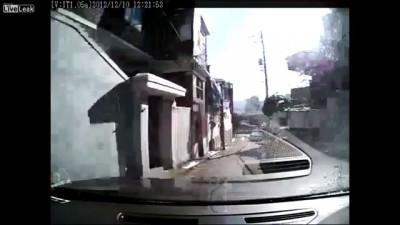 Непреднамеренное ускорение автомобиля .