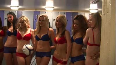 Liverpool vs Chelsea, репетиция (Girls Strip for FA Cup- Liverpool vs Chelsea - World's Sexiest