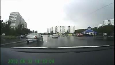 Жесткое ДТП на Ясеневой улице