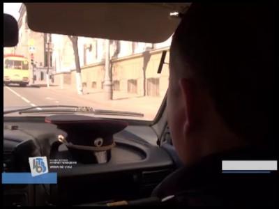 В Курске двое парней катали девушку на угнанном автомобиле (видео)