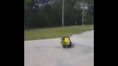 Водитель грузовика уснул за рулем