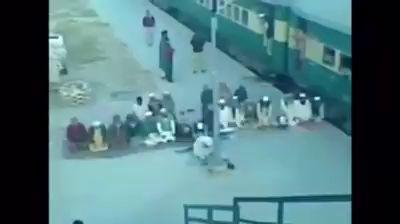 молитва и поезд
