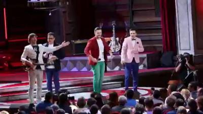 Живое выступление. песня про Фернандо Алонсо. стабилизация