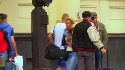 Суворовцы и Александр Ф Скляр устроили на вокзале флешмоб