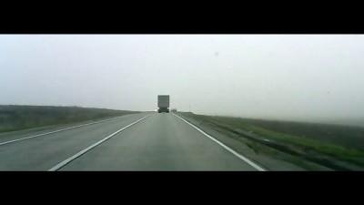 Как дальнобойщики помогают на дороге