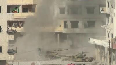 هام : المشهد الأولي لعملية تدمير دبابة داريا 25-1-2013