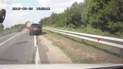 Летающие колеса на шоссе