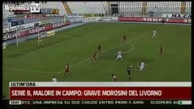 Игрок Ливорно умер на поле (14/04/2012)