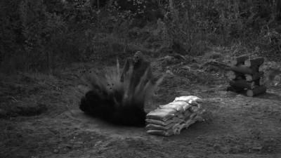 Взрывы разных типов мин в замедленной съёмке