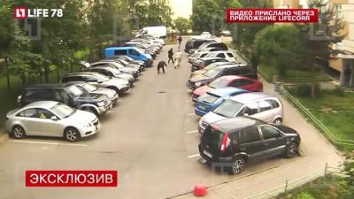 Дерзкое ограбление мужчины на 3 млн рублей в Петербурге попало на видео