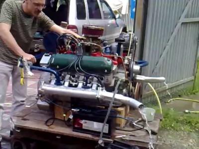 GAZ-13 engine