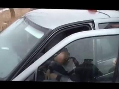 Пьяный водитель после дтп заснуло..