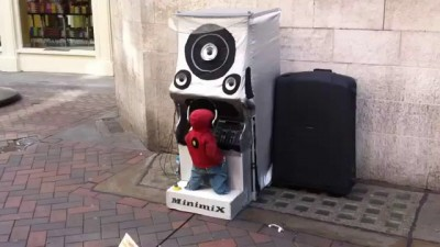 The world's smallest DJ
