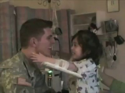 U.S. Soldier Comes Home, Surprises His Daughter in the Hospital