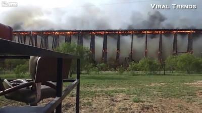 Пожар и обрушение моста в Техасе