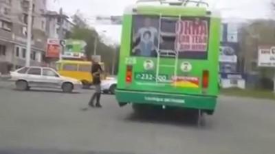 Сексуальная водительница троллейбуса