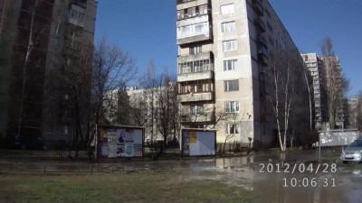 вода перекрыта-жильцы работают вёдрами