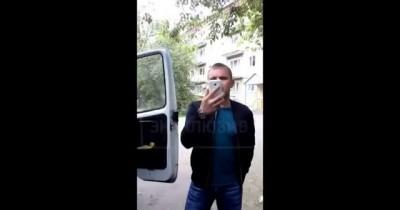 Пьяные полицейские избили врача