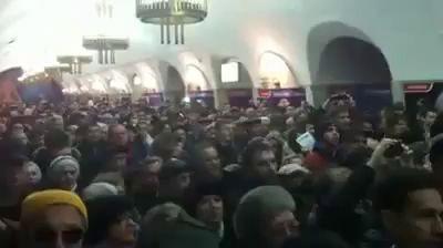 Українці заспівали гімн України прямо в метро