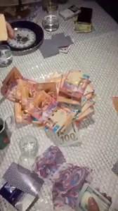 Народ играет денег нет совсем:)
