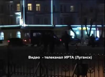 майданутые открыли огонь из огнестрельного боевого оружия , трое луганчан убито есть раненые ночь 0