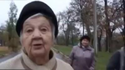 """Пенсионеры Снежного уже """"наелись"""" сладкой жизни в ДНР"""