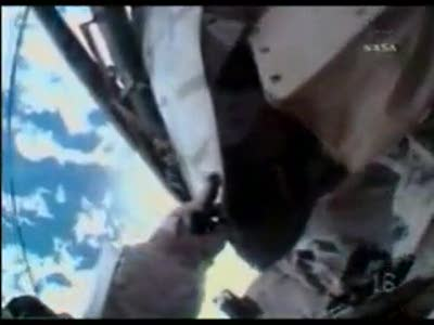 Astronaut loses tool bag in Space - Short version - STS-126