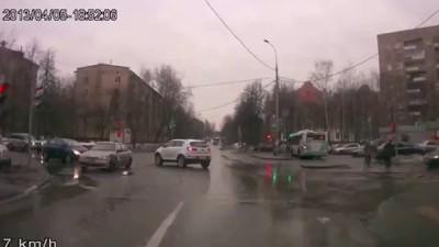 Подборка аварий 31.Car Crash compilation 2013.