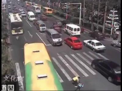 Особенности перехода дороги в Китае