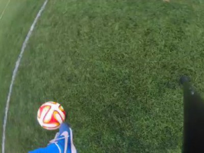 Amazing One Legged Football Skills & Crossbar Trick Shots!
