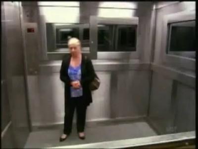 Розыгрыш в лифте (жесткий)