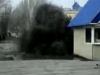 В Луганске прорвало канализацию. Фонтан фекалий
