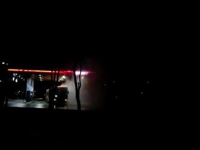 Автобус горит на АЗС