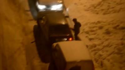 Выезд с парковки - Parking in Russia.