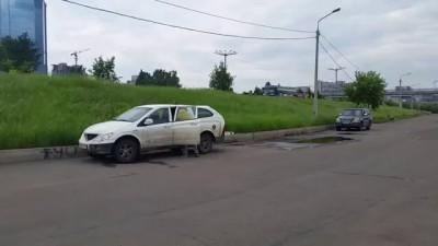 Вот так надо ловить рыбу в Красноярске (шаман им в помощь)
