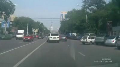 Конфликт на дороге Халк на белом порше