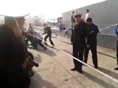 Русские моряки против Американских моряков